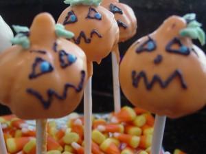 Pumpkin Cake Pops For Halloween