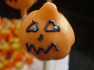 pumpkin cake pop face step 2