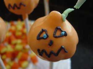 pumpkin cake pop face step 3