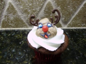 reindeer cupcake completed with chocolate antlers