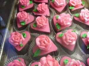 Heart shaped Petit fours with pink roses