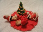 Christmma baby cupcake toppers made from fondant
